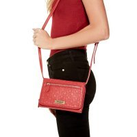 Сумка клатч женская GUESS Women's DX-17-242 Red Logo Dahlia Debossed Crossbody Clutch